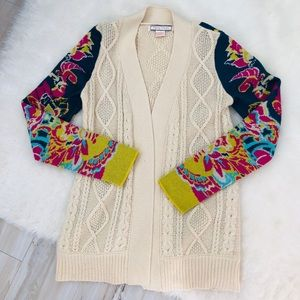 Like new Flying Tomato cardigan sweater!
